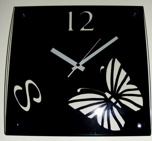 Wall Clock - Curved Glass Front - Modern Design - Butterfly - Black C37